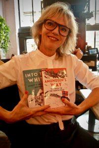 Bookwagon (C) Joanna Grochowicz
